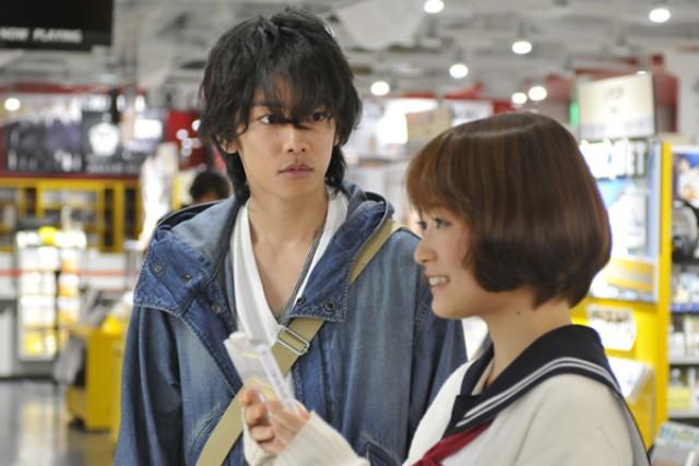 そして、佐藤健のファンの間でも人気の恋愛映画が「カノジョは嘘を愛しすぎている」34